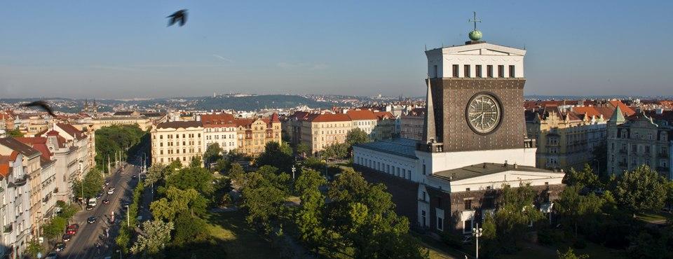 Kostel Nejsvětějšího Srdce Páně v Praze na Vinohradech panorama