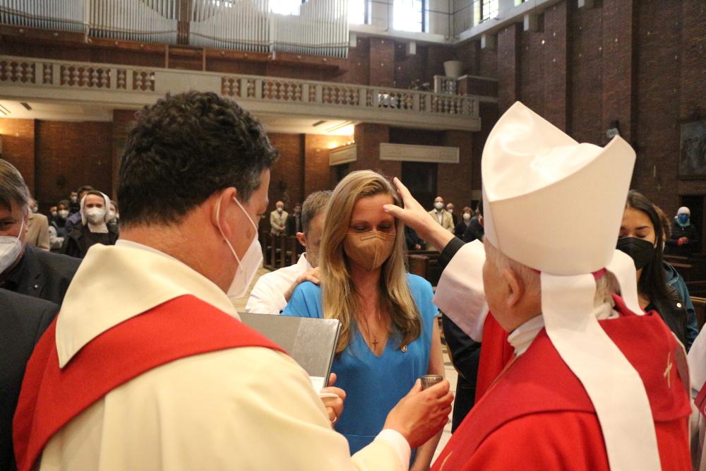 Biřmování v kostele Nejsvětějšího Srdce Páně Praha Vinohrady